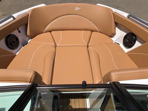 2019 Mastercraft XT22 in Madera, California - Photo 10