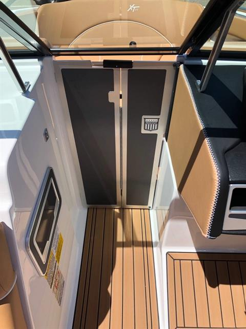 2019 Mastercraft XT22 in Madera, California - Photo 23