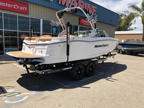 2019 Mastercraft XT22 in Madera, California - Photo 27