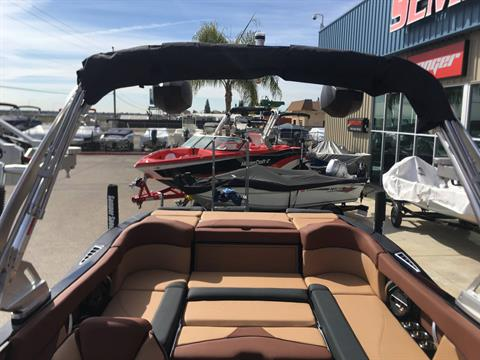 2018 Mastercraft XT25 in Madera, California - Photo 2
