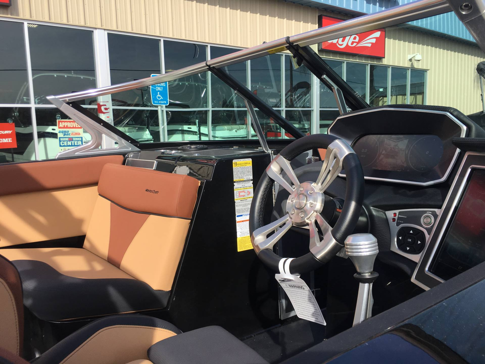 2018 Mastercraft XT25 in Madera, California - Photo 15