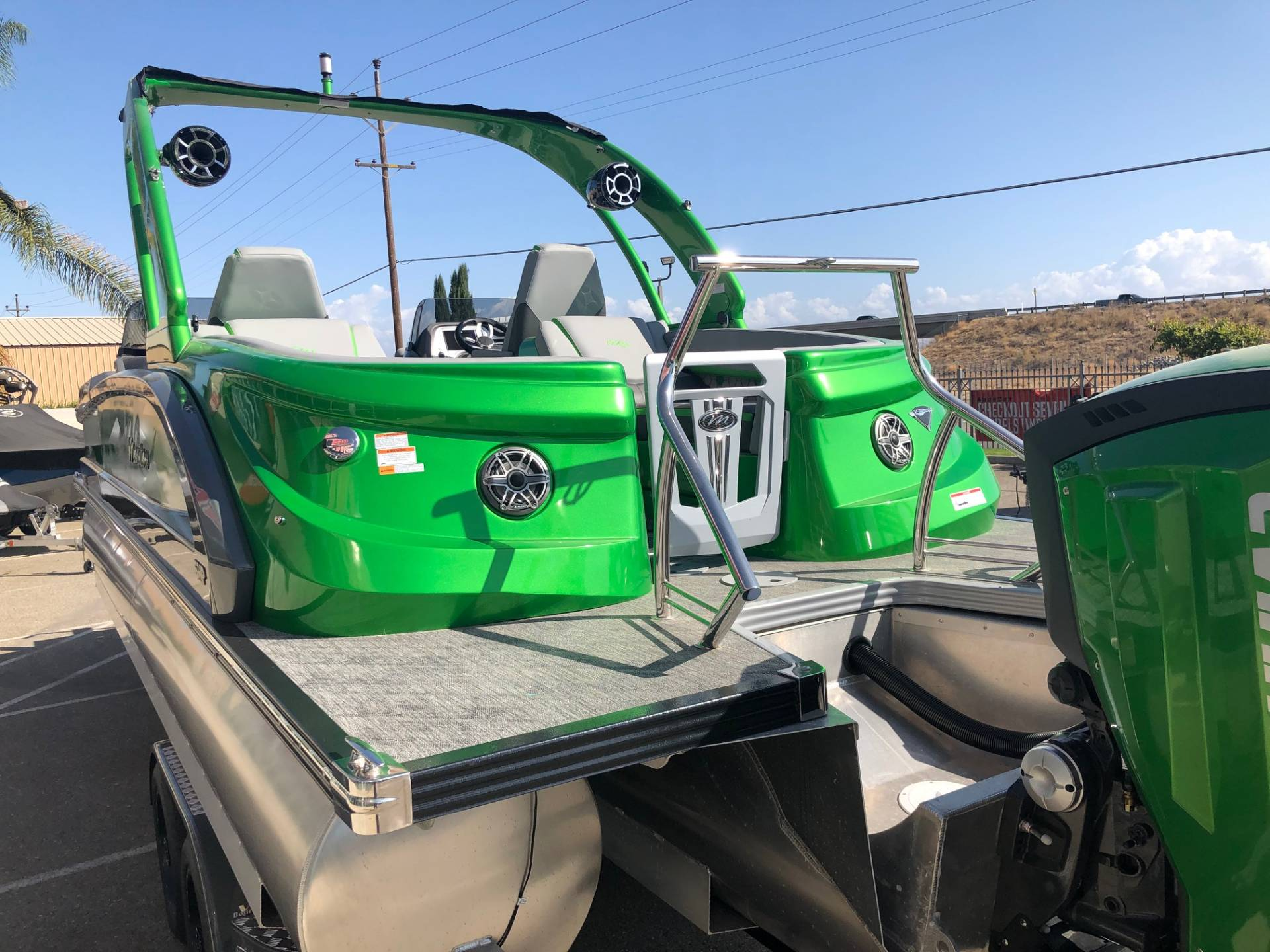 2019 Manitou 25 X-Plode XT RFXW in Madera, California - Photo 16