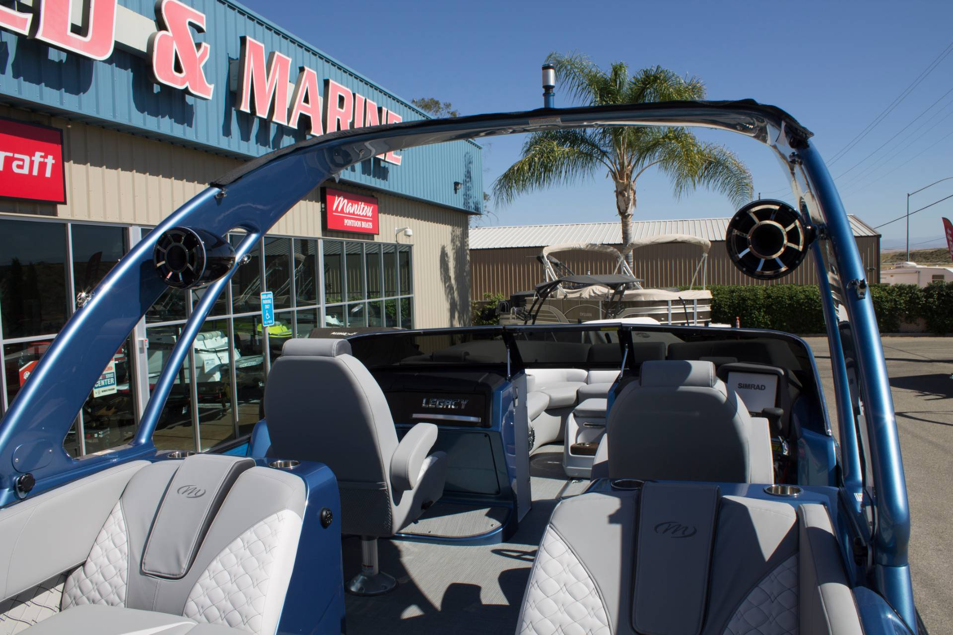 2018 Manitou 27 LEGACY RFXW SHP in Madera, California