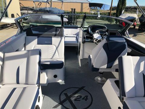 2020 Mastercraft X24 in Madera, California - Photo 9