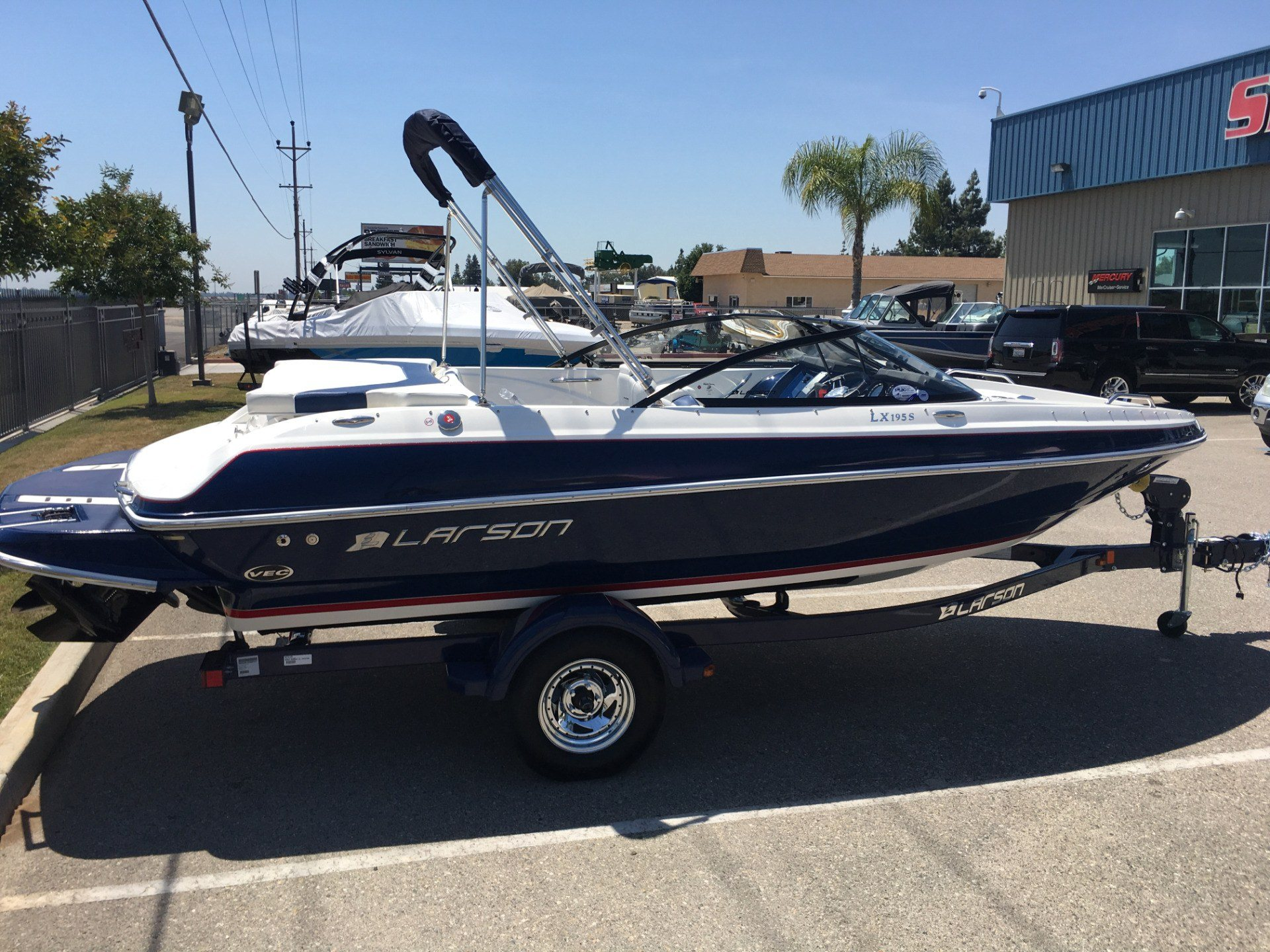 2016 Larson LX195 in Madera, California