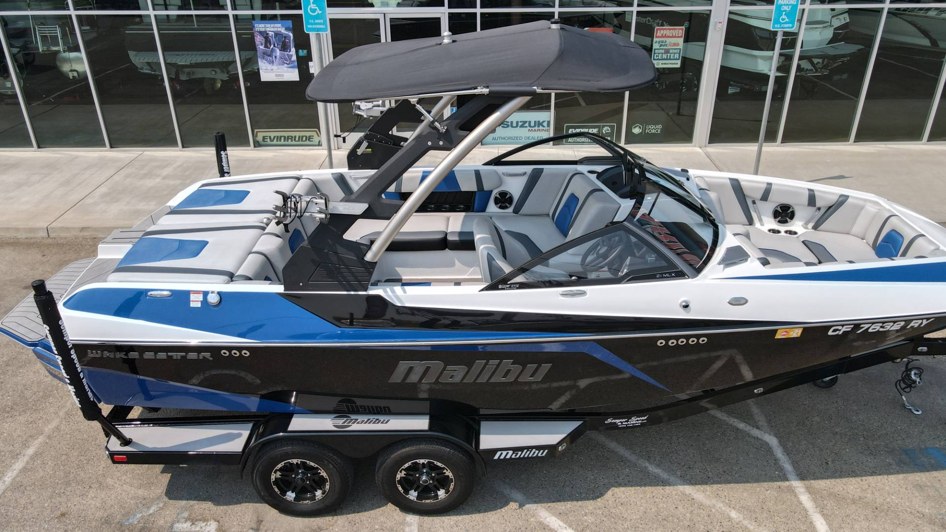 2018 Malibu 21 MLX in Madera, California - Photo 2