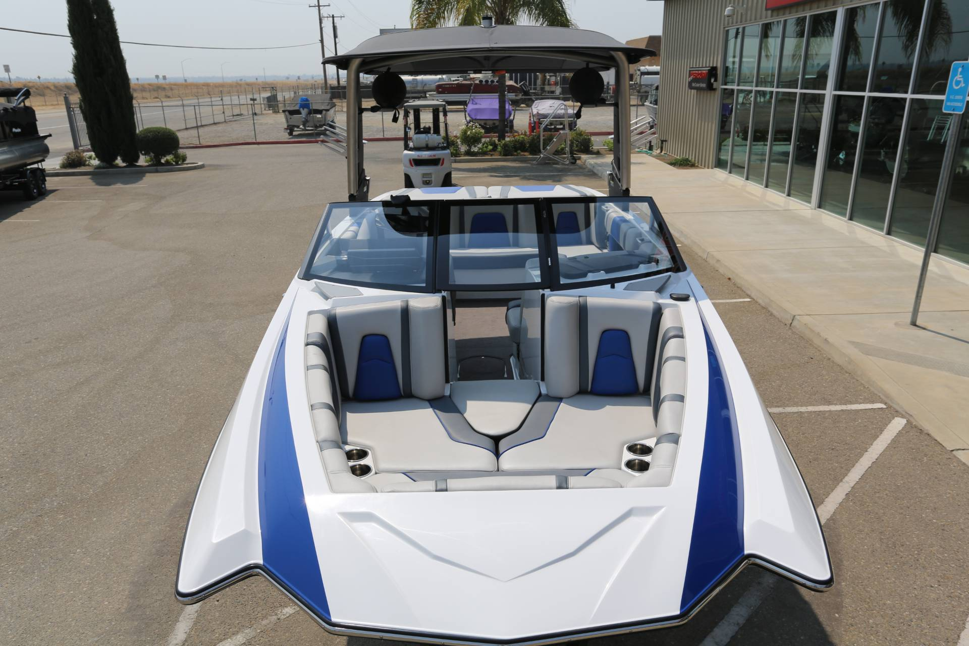 2018 Malibu 21 MLX in Madera, California - Photo 14