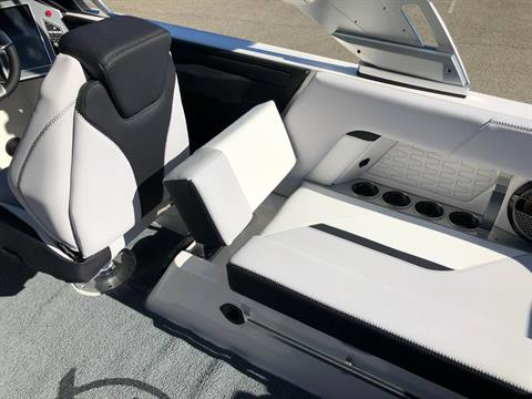 2020 Mastercraft X22 in Madera, California - Photo 12