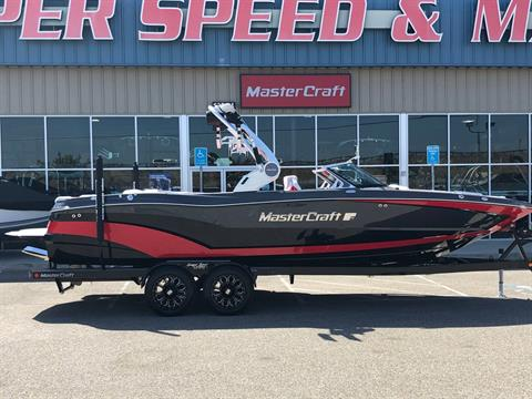 2020 Mastercraft XT25 in Madera, California - Photo 2