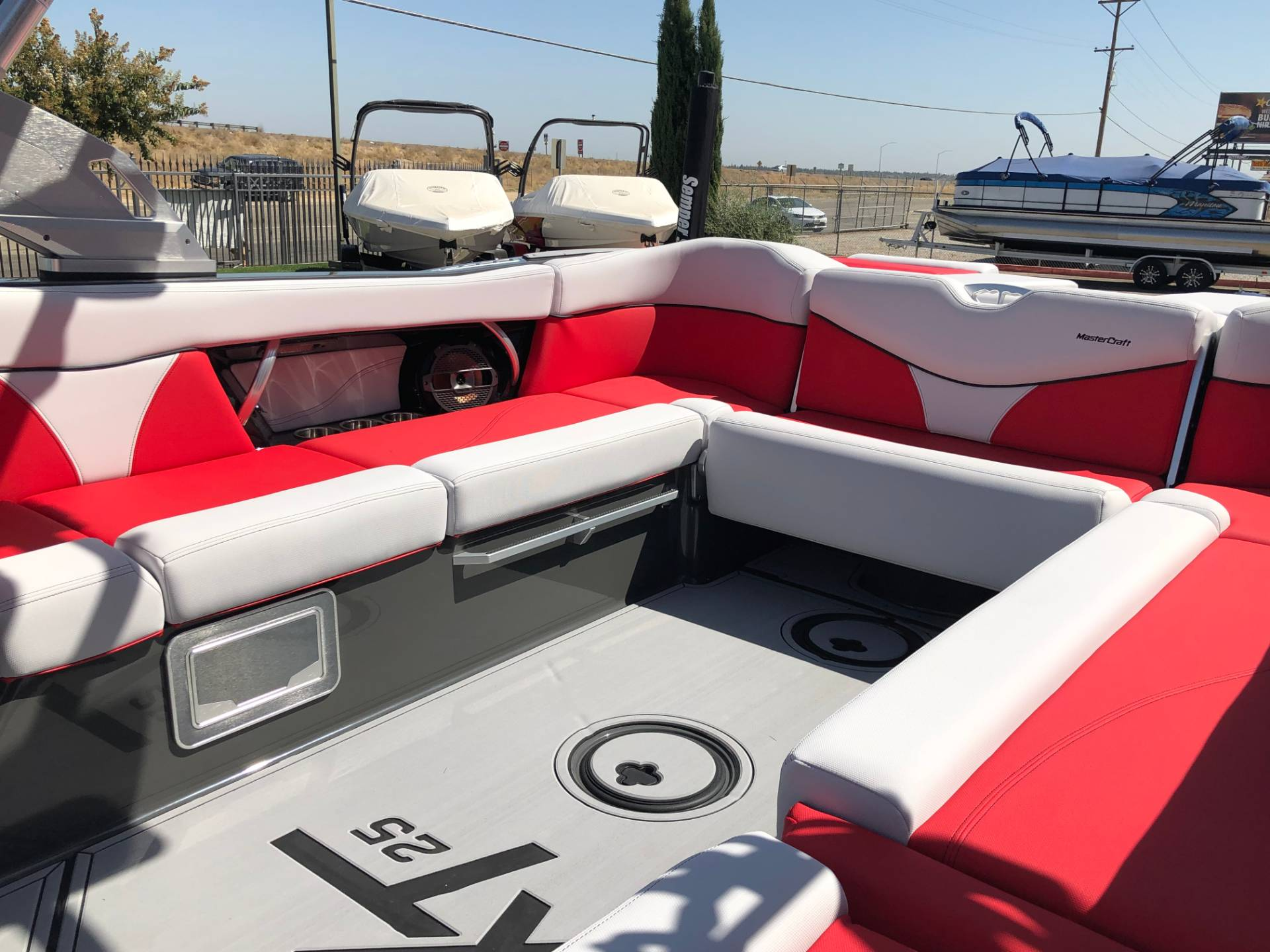 2020 Mastercraft XT25 in Madera, California - Photo 7