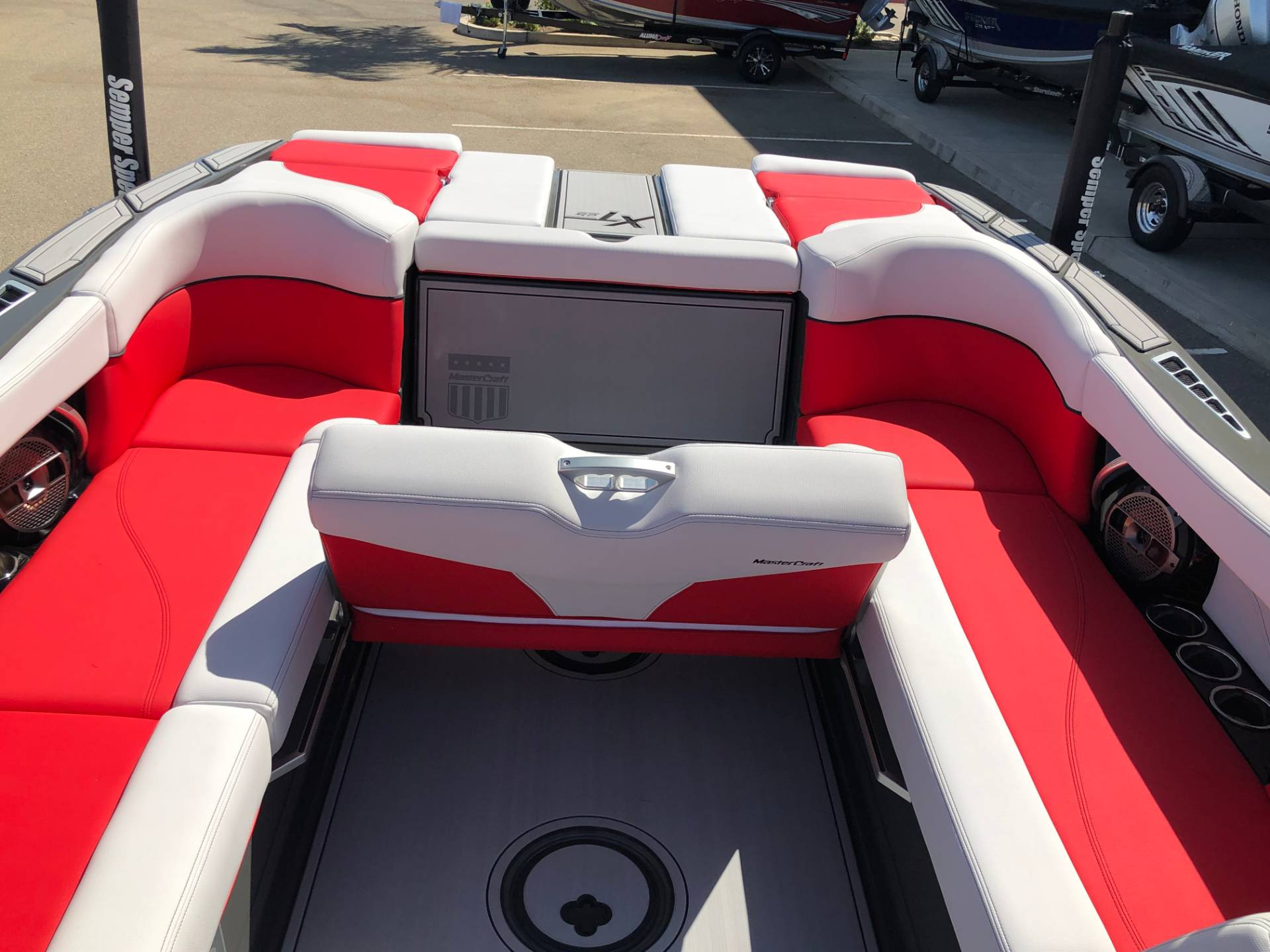 2020 Mastercraft XT25 in Madera, California - Photo 12