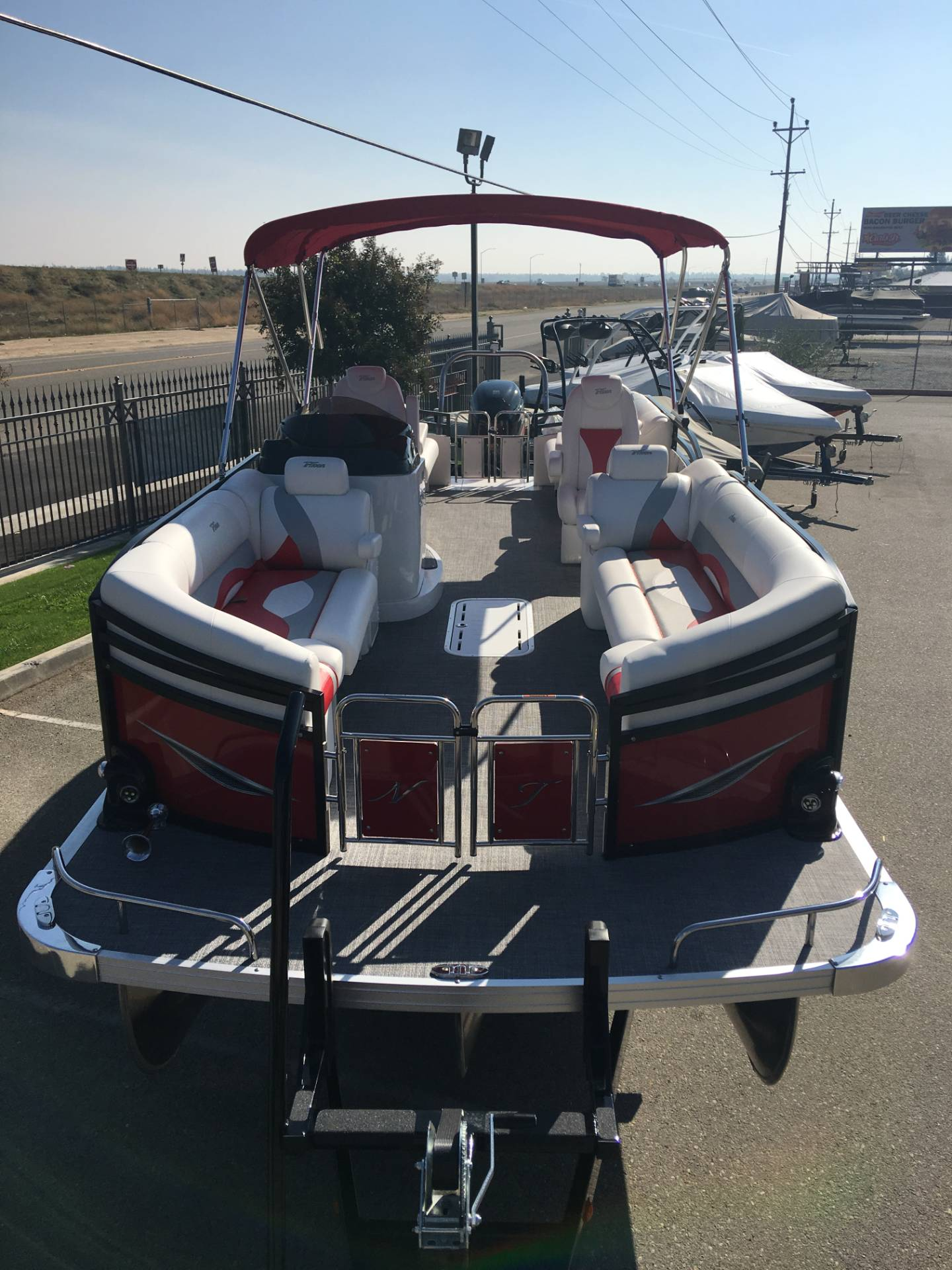 2017 JC NEPTOON 25 TT SPORT in Madera, California