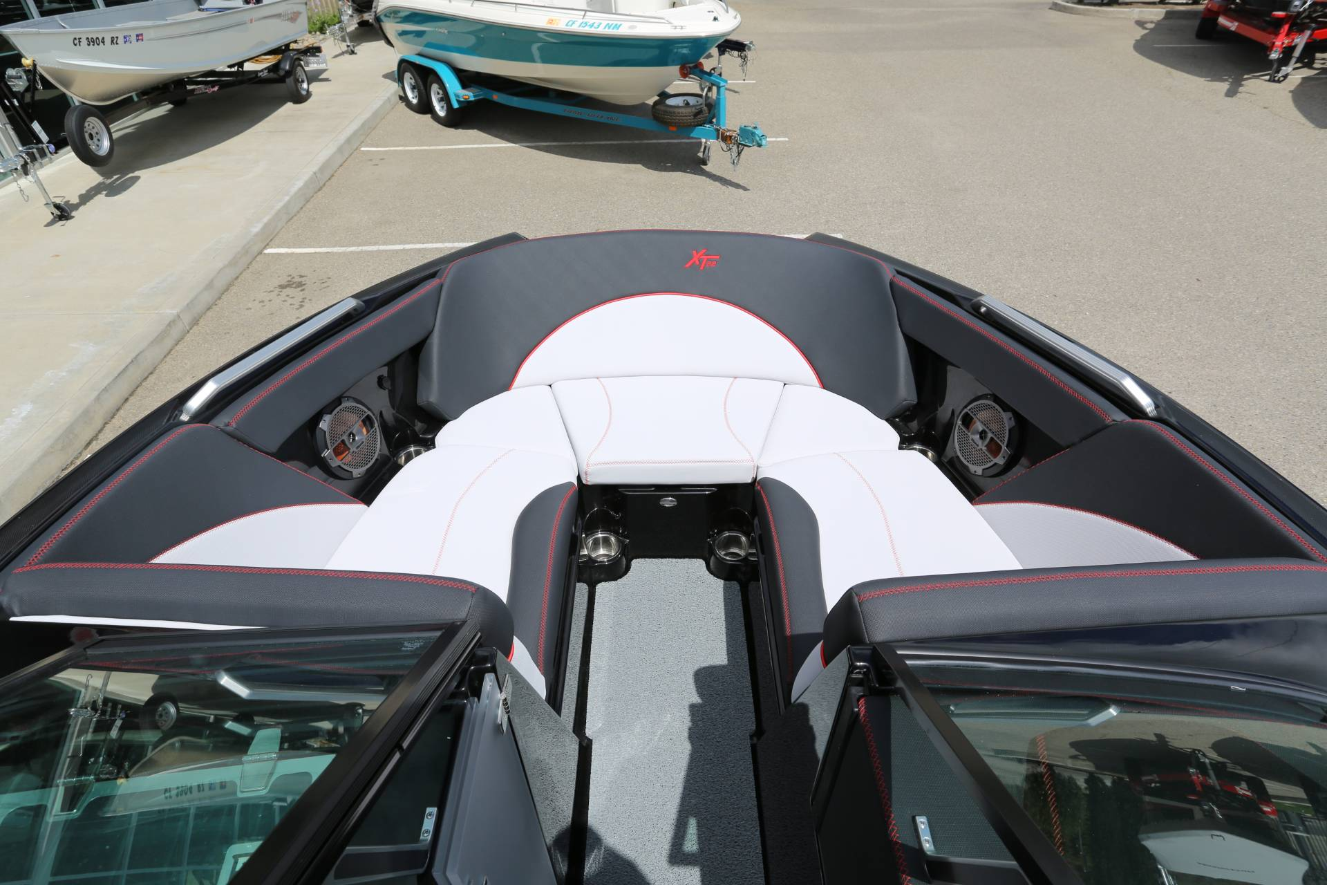 2020 Mastercraft XT22 in Madera, California - Photo 17
