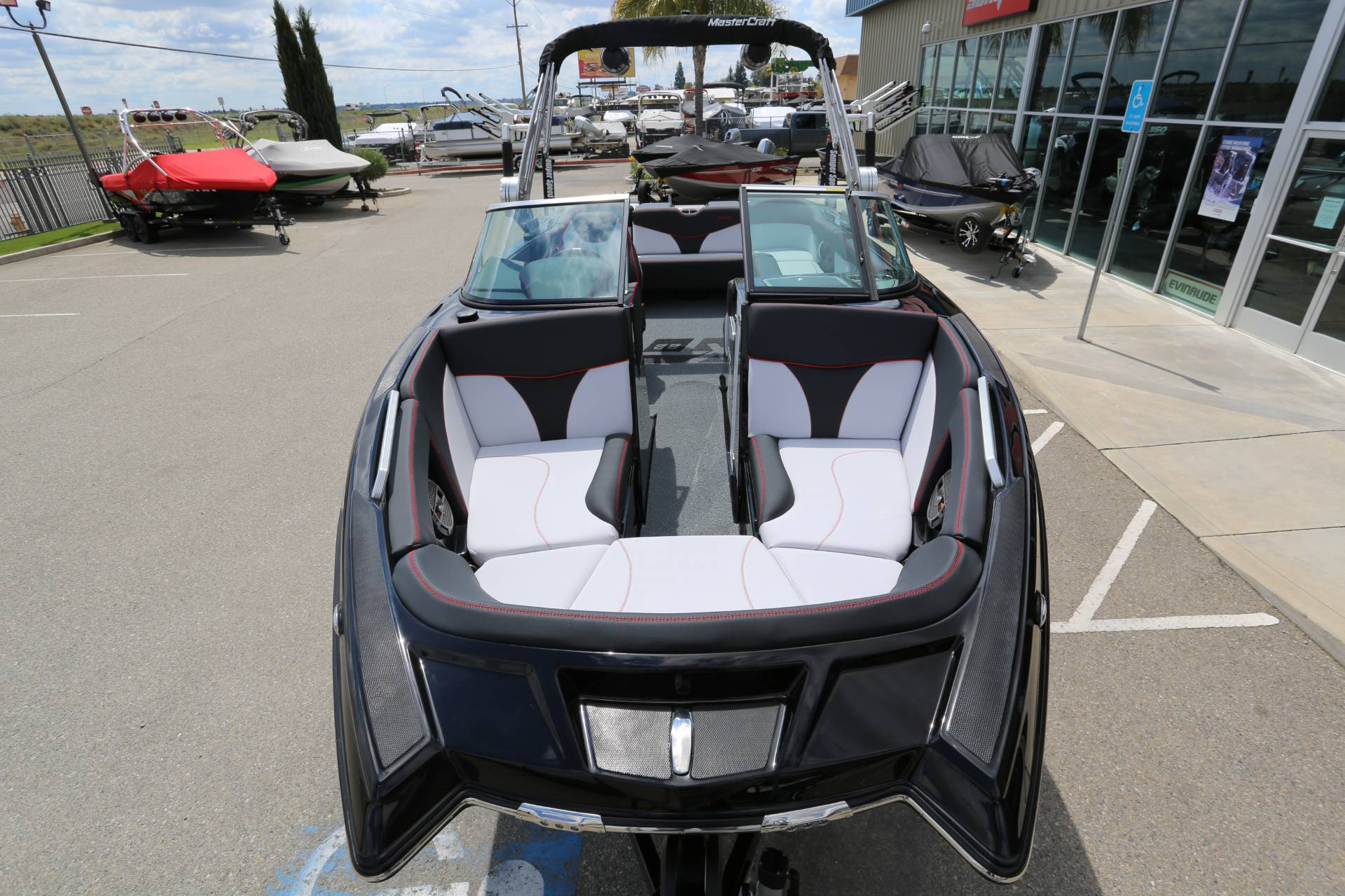 2020 Mastercraft XT22 in Madera, California - Photo 18