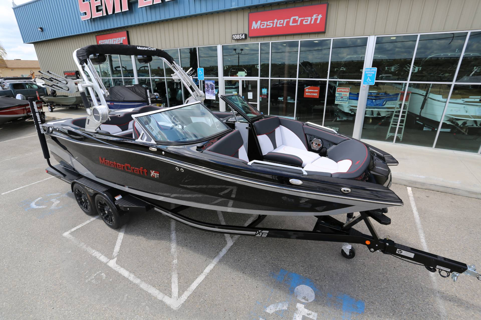 2020 Mastercraft XT22 in Madera, California - Photo 19