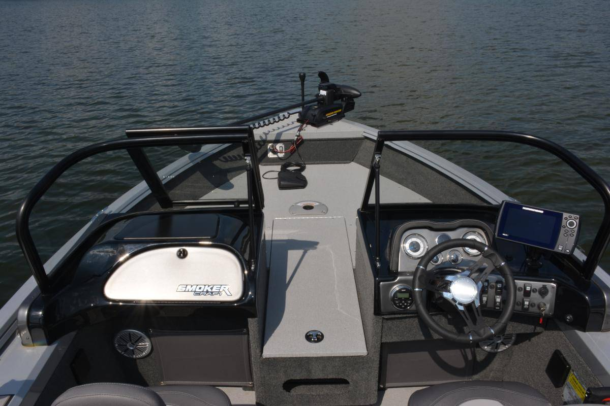 2018 Smoker Craft Pro Angler XL 172 in Madera, California