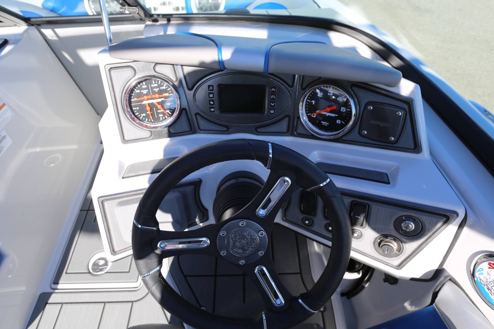 2021 Sanger Boats 212 SL in Madera, California - Photo 13