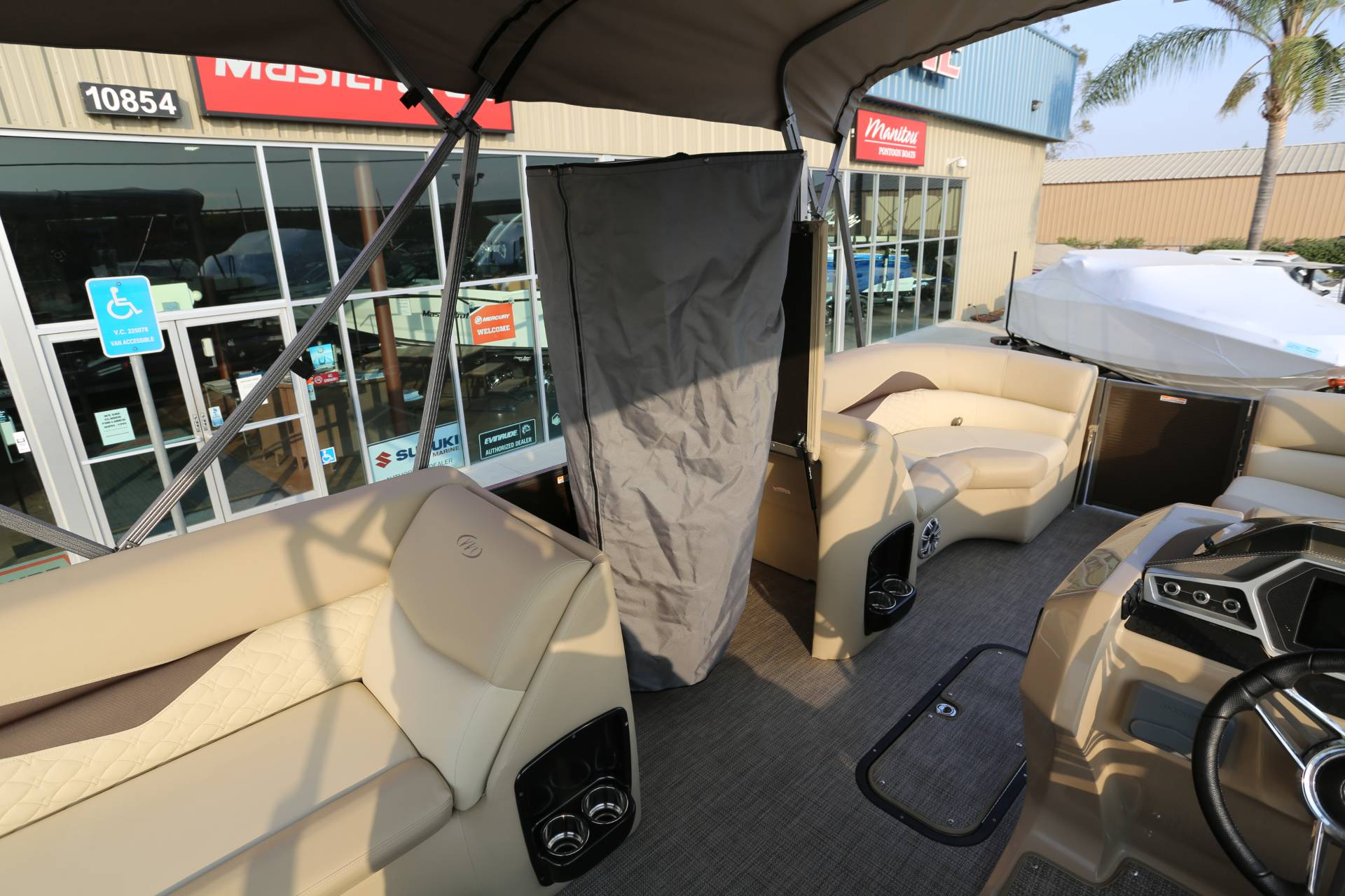2021 Manitou 25 SES Bench in Madera, California - Photo 18