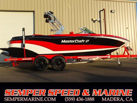 2018 Mastercraft XT23 in Madera, California - Photo 1