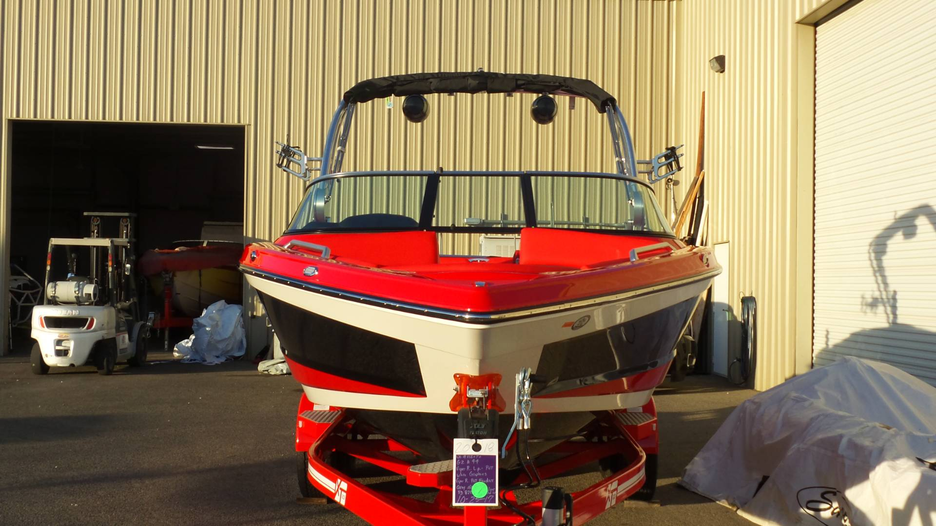 2018 Mastercraft XT23 in Madera, California - Photo 2