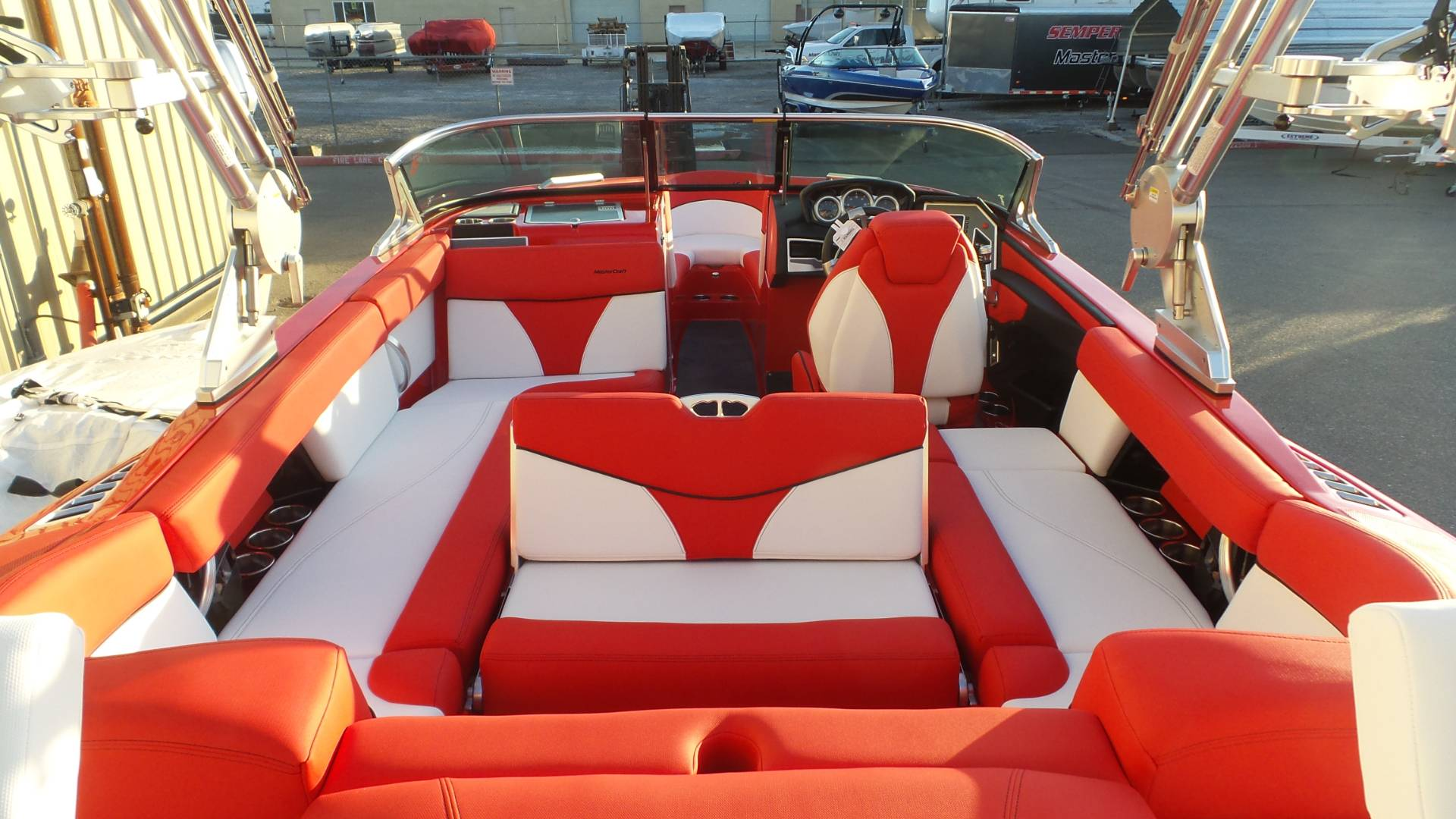 2018 Mastercraft XT23 in Madera, California - Photo 5