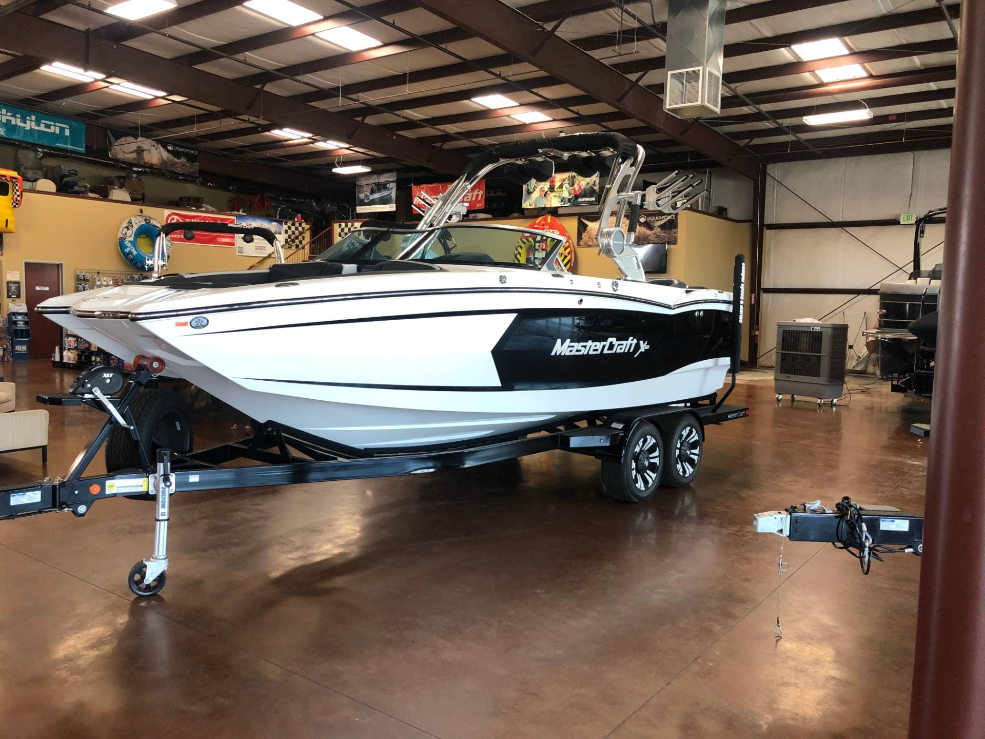 2020 Mastercraft XSTAR in Madera, California - Photo 2