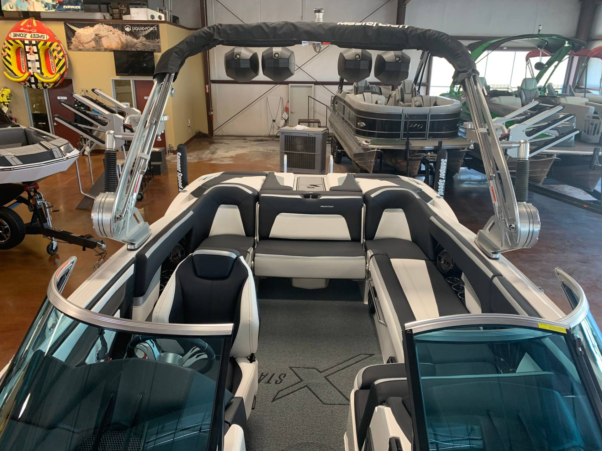 2020 Mastercraft XSTAR in Madera, California - Photo 9