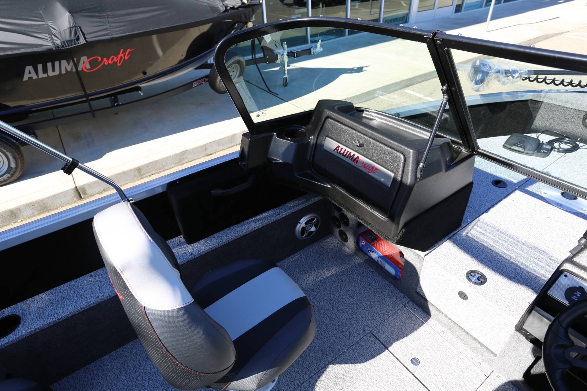 2021 Alumacraft Competitor 165 Sport in Madera, California - Photo 12