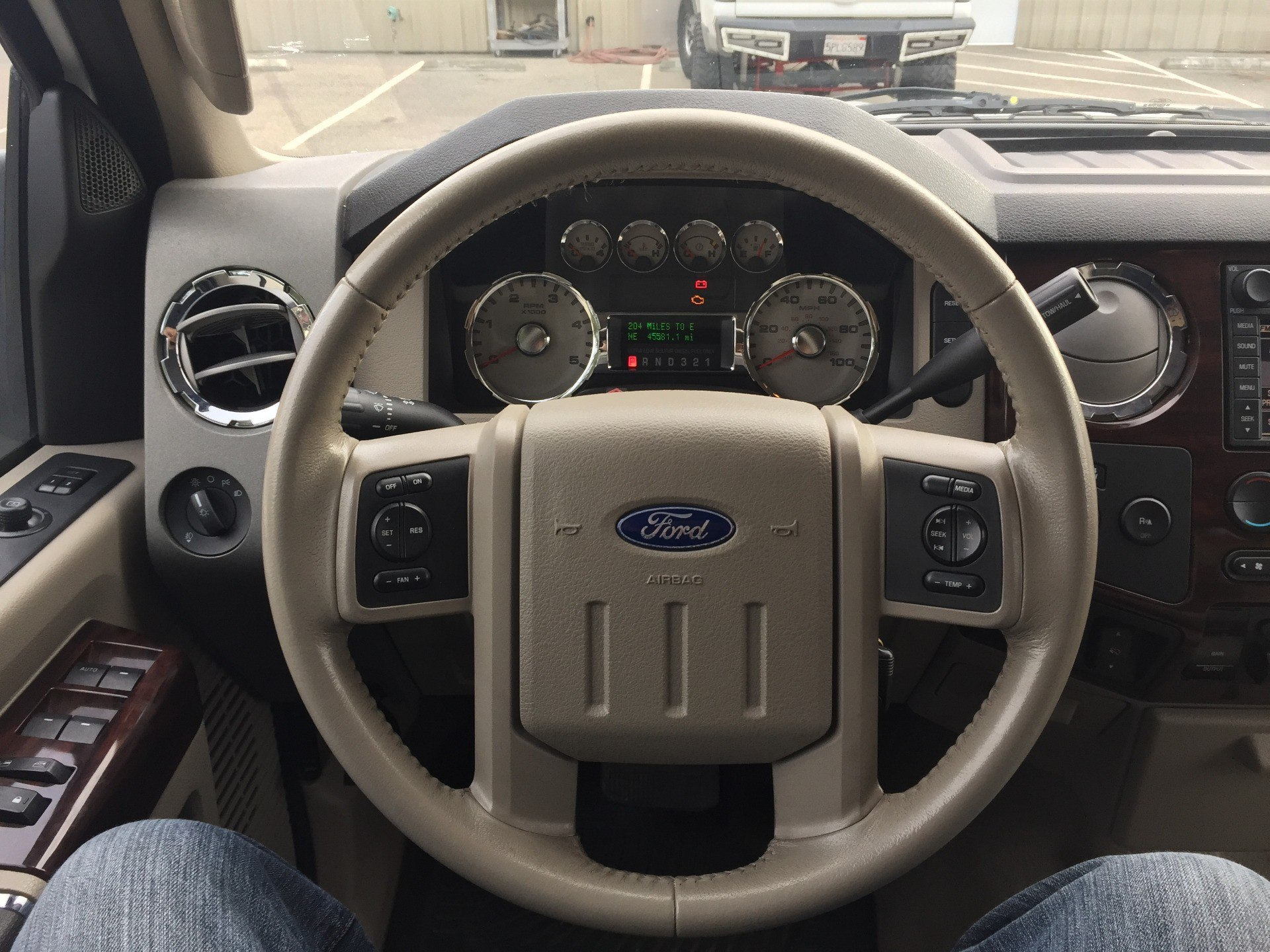 2008 Ford F450 Lariat Super Duty Crew Cab in Madera, California