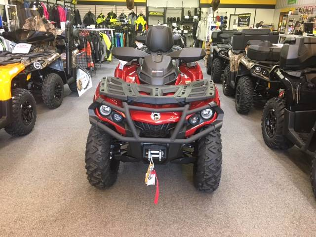 2018 Can-Am Outlander MAX XT 650 in Sauk Centre, Minnesota
