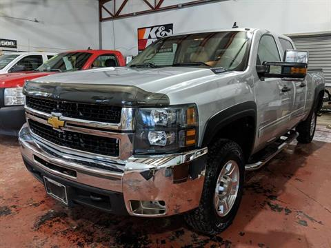 2010 Chevrolet SILVERADO 2500 HD in Harrison, Michigan - Photo 2