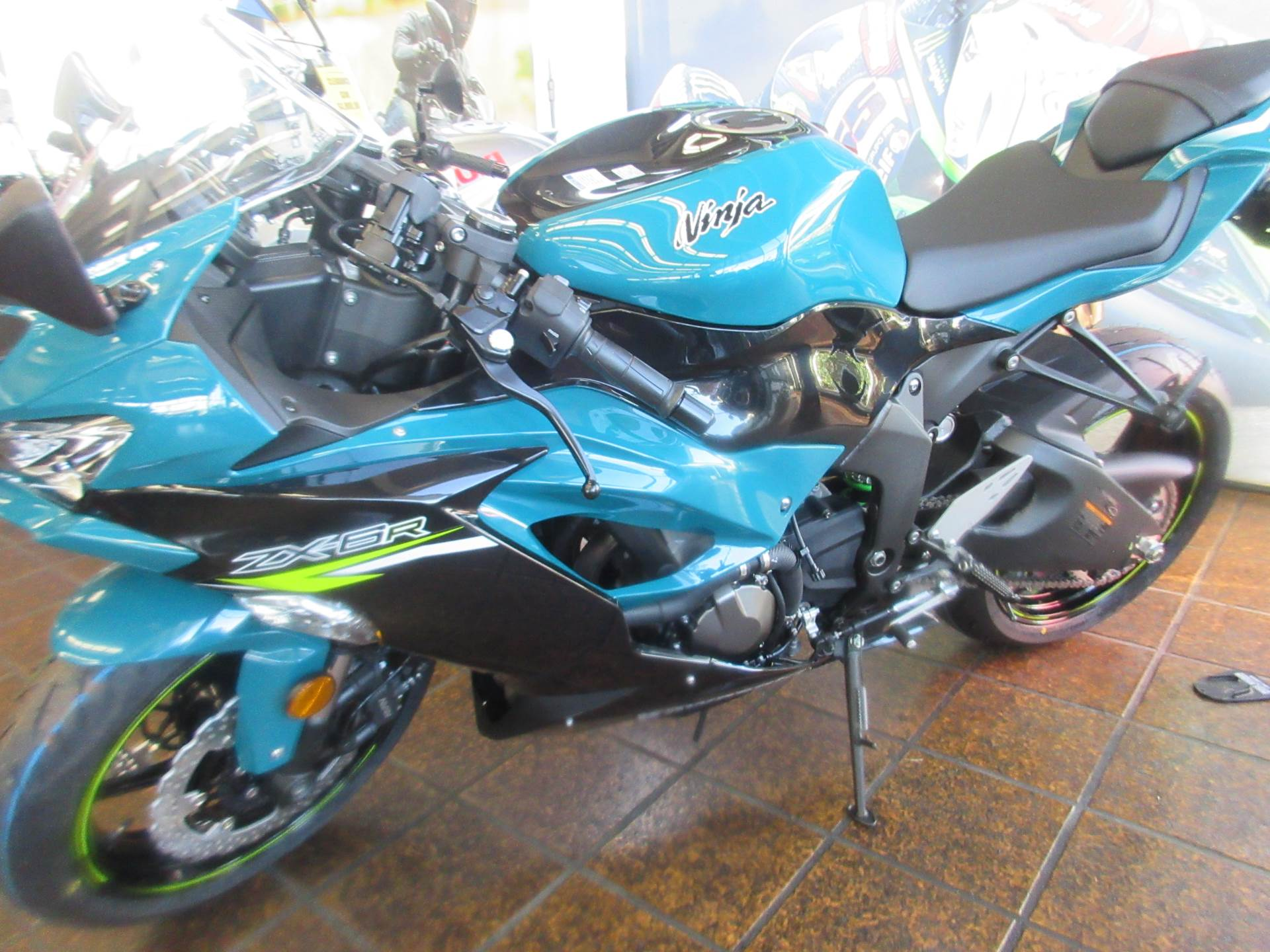 2021 Kawasaki Ninja ZX-6R in Sacramento, California - Photo 2