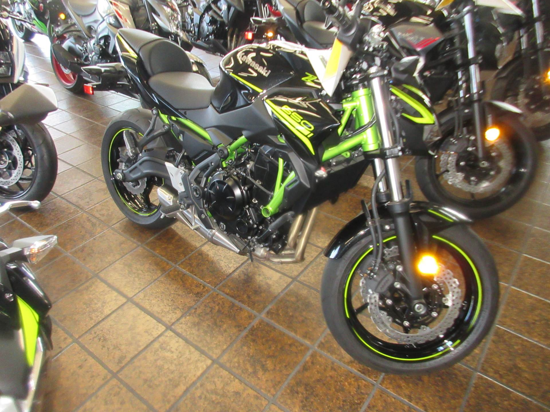 2020 Kawasaki Z650 in Sacramento, California - Photo 5