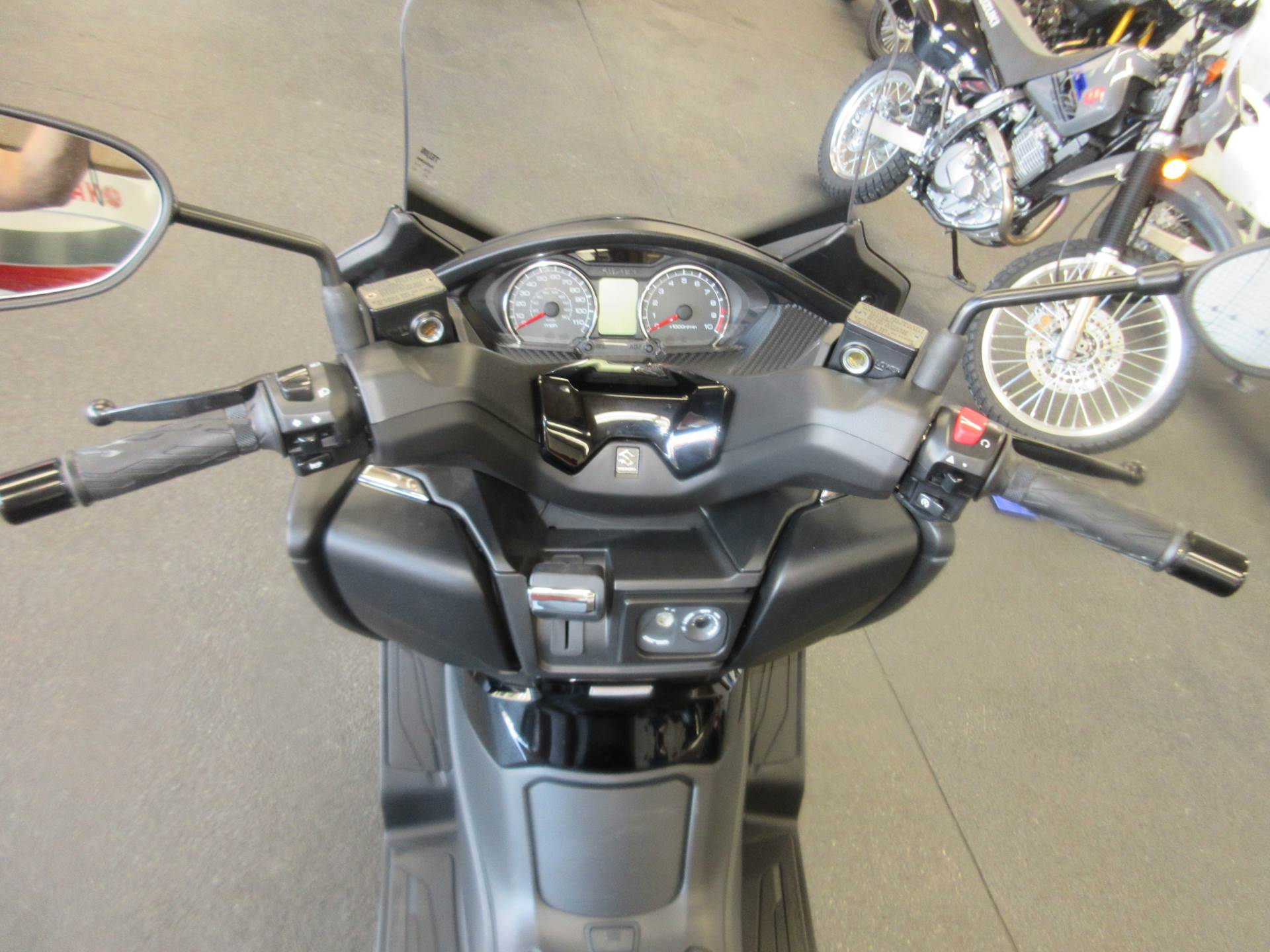 2020 Suzuki Burgman 400 in Sacramento, California - Photo 5