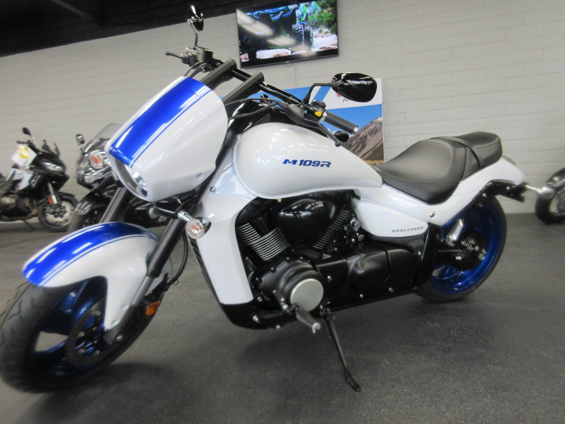 2019 Suzuki Boulevard M109R B.O.S.S. in Sacramento, California - Photo 2