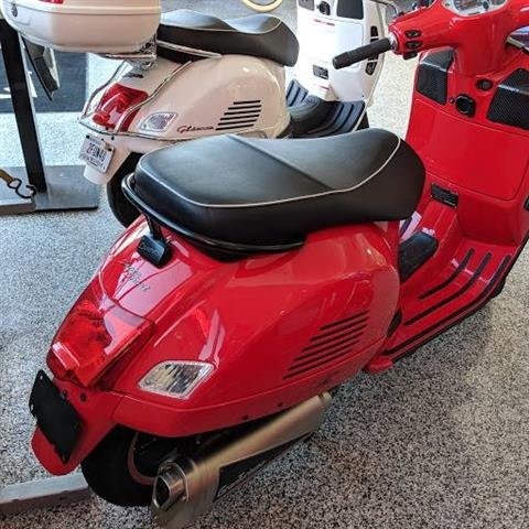 2010 Vespa gts super in Shelbyville, Indiana