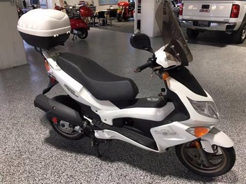 2013 Genuine Scooters Blur 220i in Shelbyville, Indiana