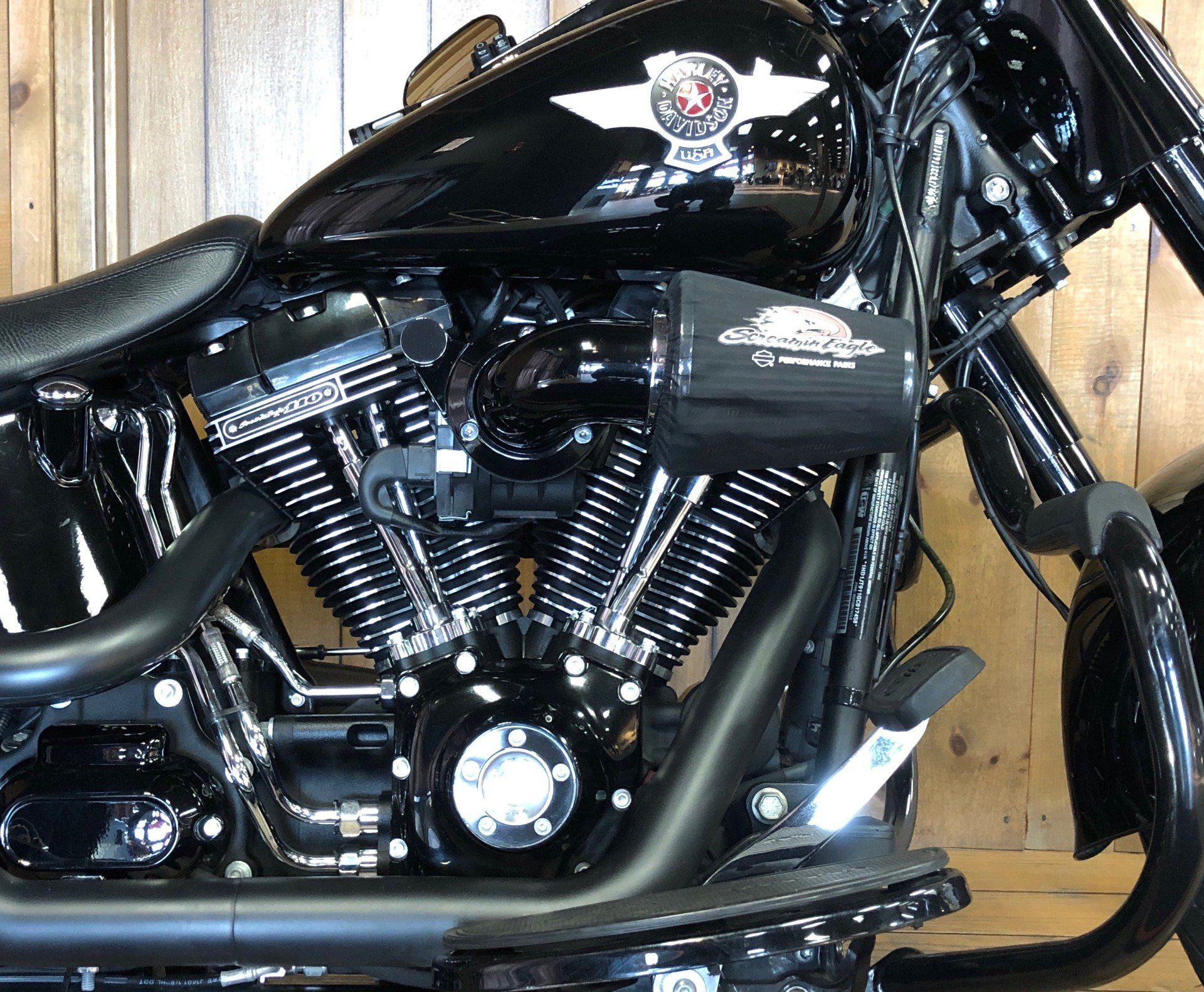 2016 Harley-Davidson Fat Boy Lo w/ 110 Motor in Harrisburg, Pennsylvania - Photo 2