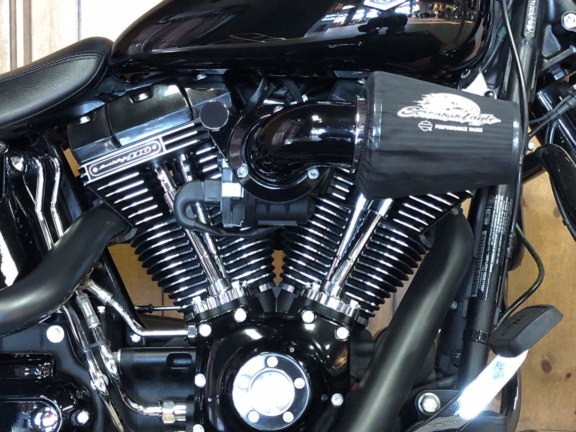 2016 Harley-Davidson Fat Boy Lo w/ 110 Motor in Harrisburg, Pennsylvania - Photo 3
