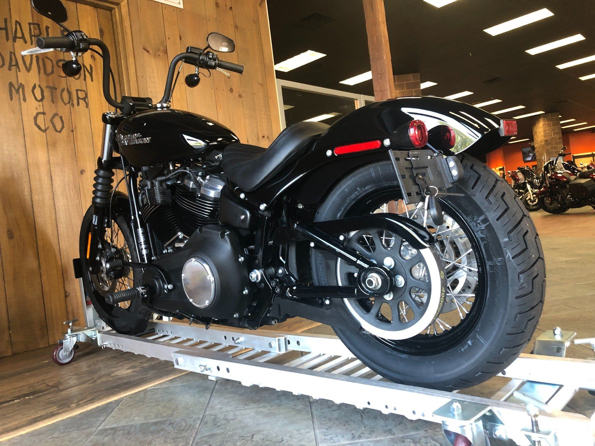 2019 Harley-Davidson Street Bob in Harrisburg, Pennsylvania - Photo 6