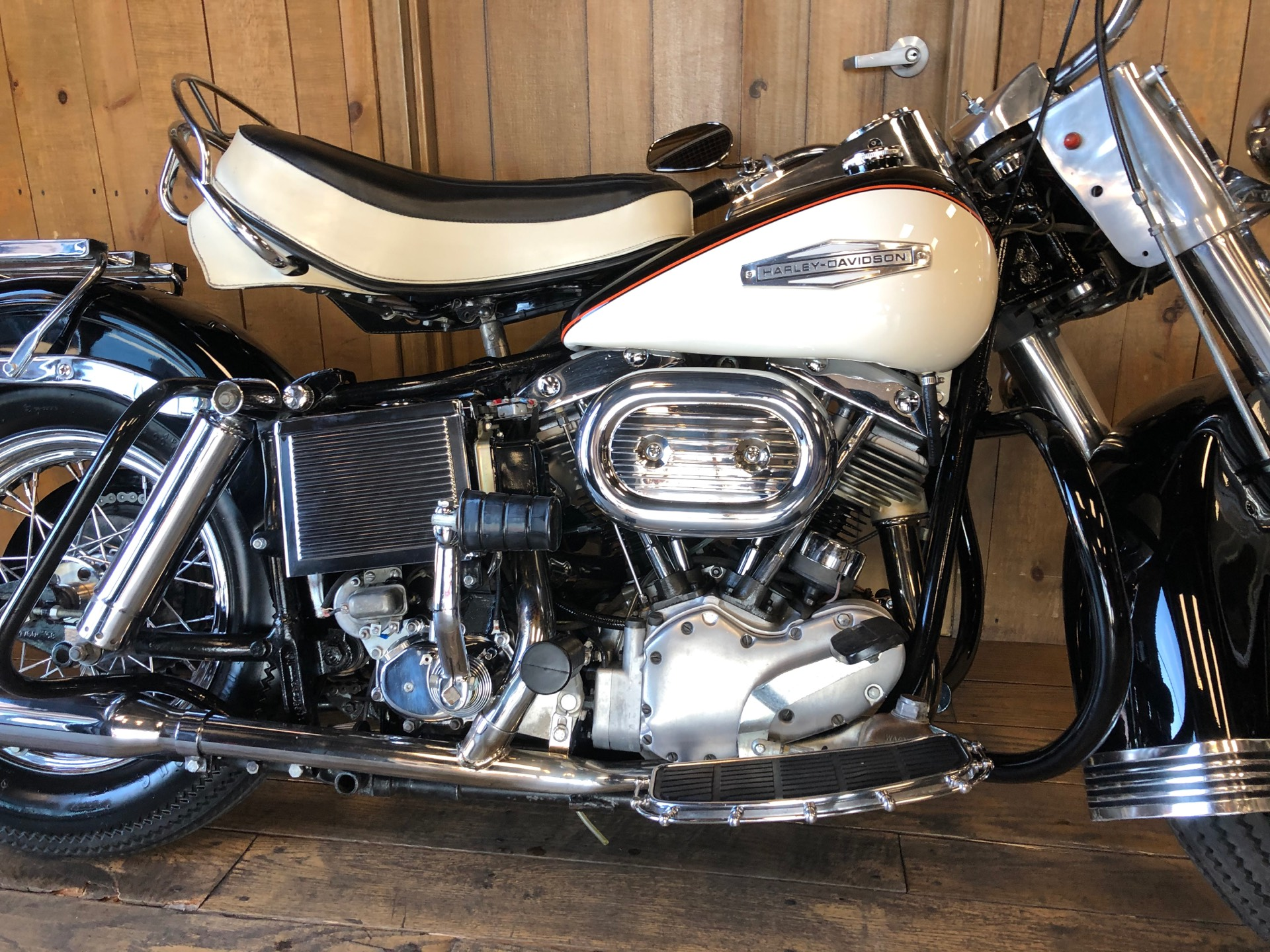 1969 Harley-Davidson Electra Glide in Harrisburg, Pennsylvania - Photo 3
