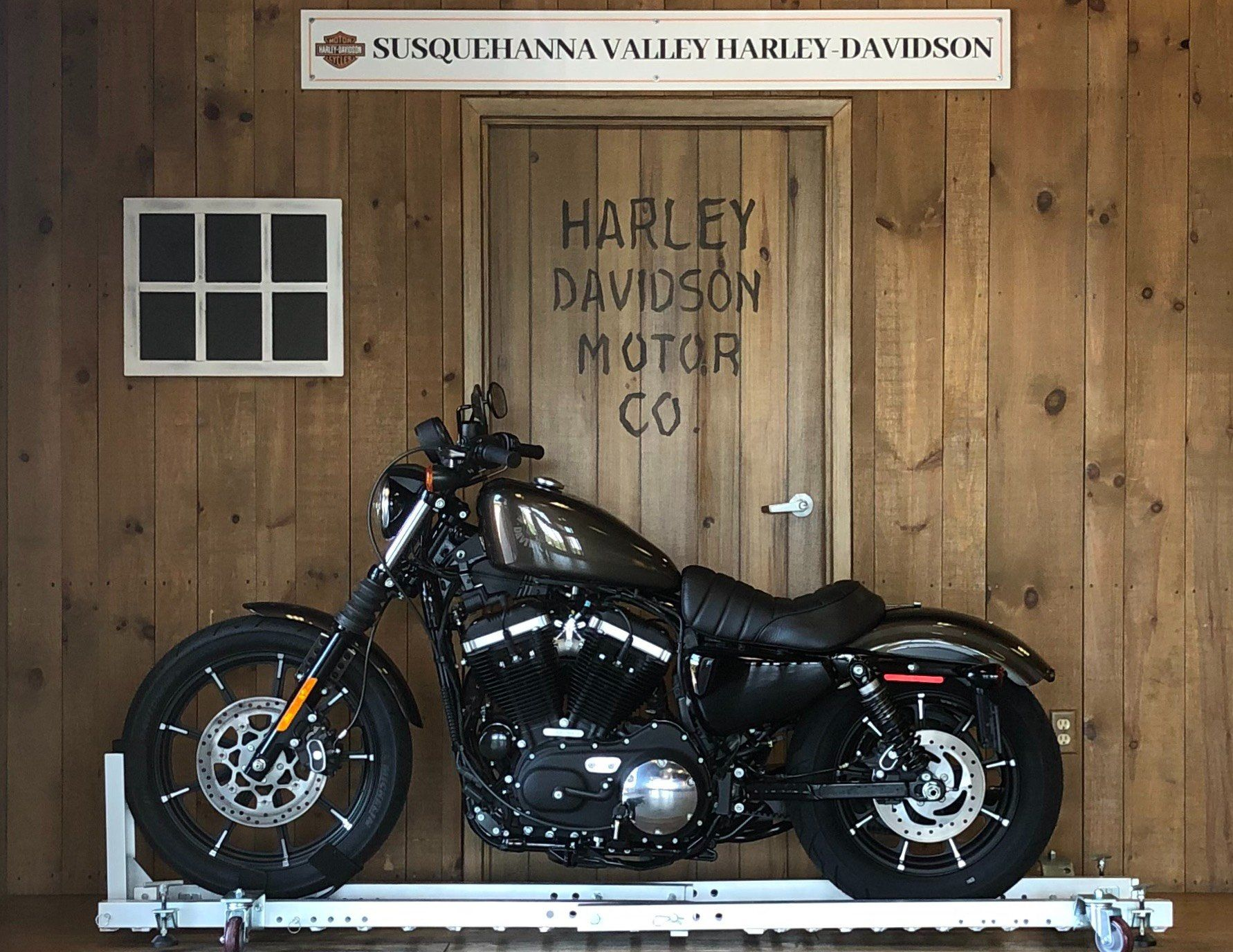 2020 Harley-Davidson Sportster Iron 883 in Harrisburg, Pennsylvania - Photo 2