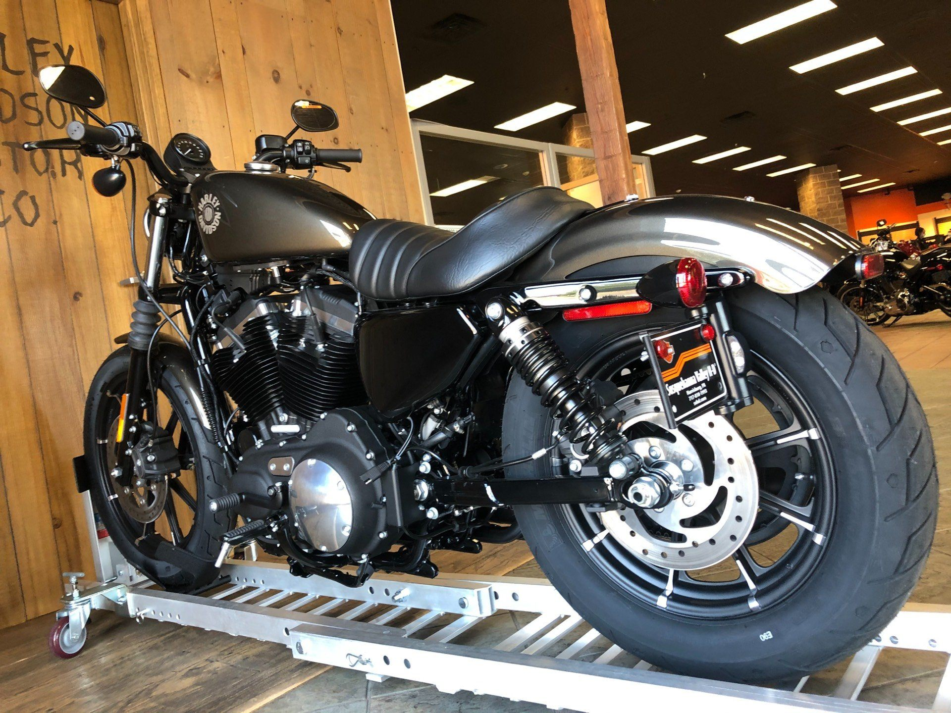 2020 Harley-Davidson Sportster Iron 883 in Harrisburg, Pennsylvania - Photo 6