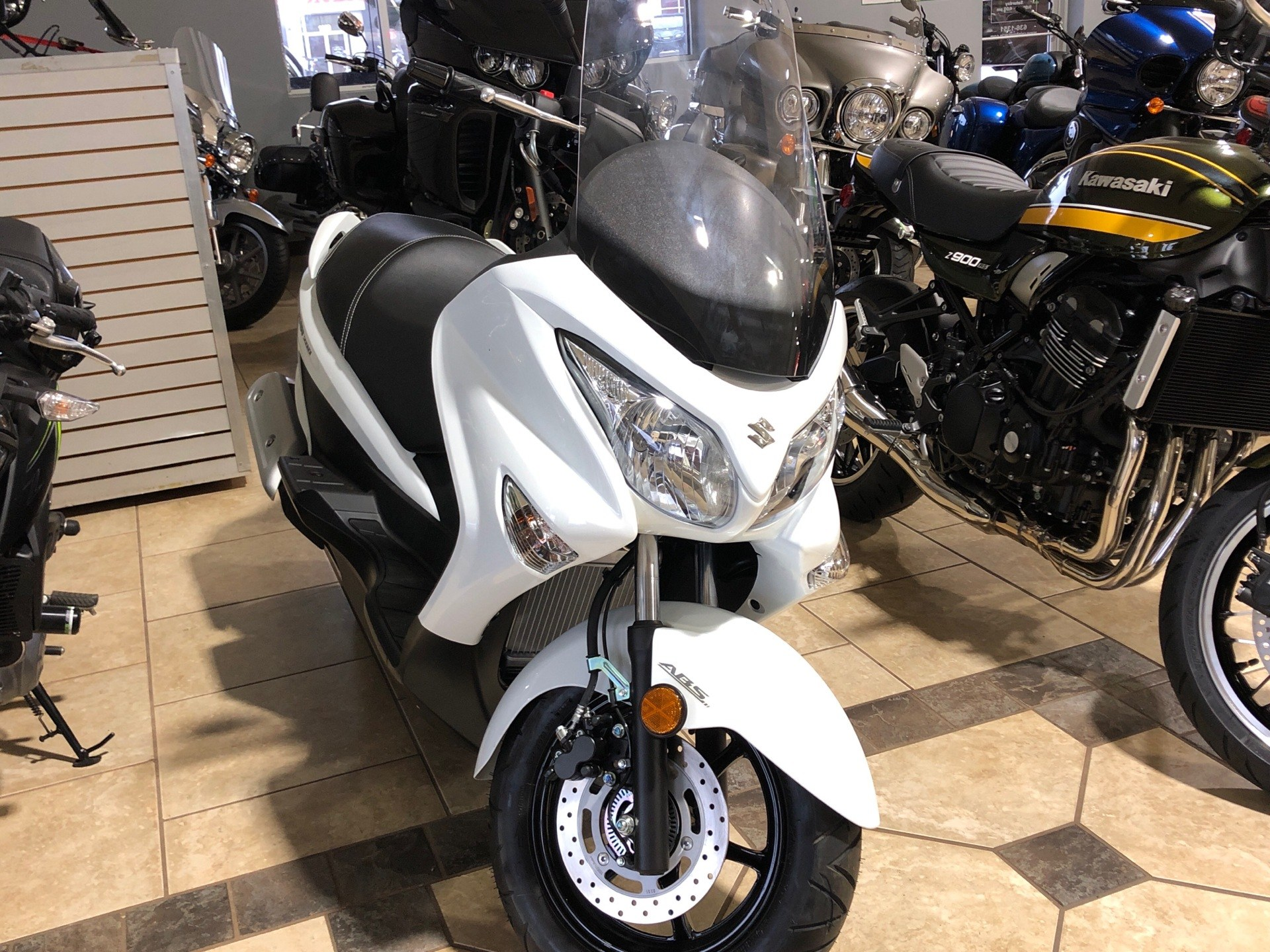 2020 Suzuki Burgman 200 in Rogers, Arkansas - Photo 2