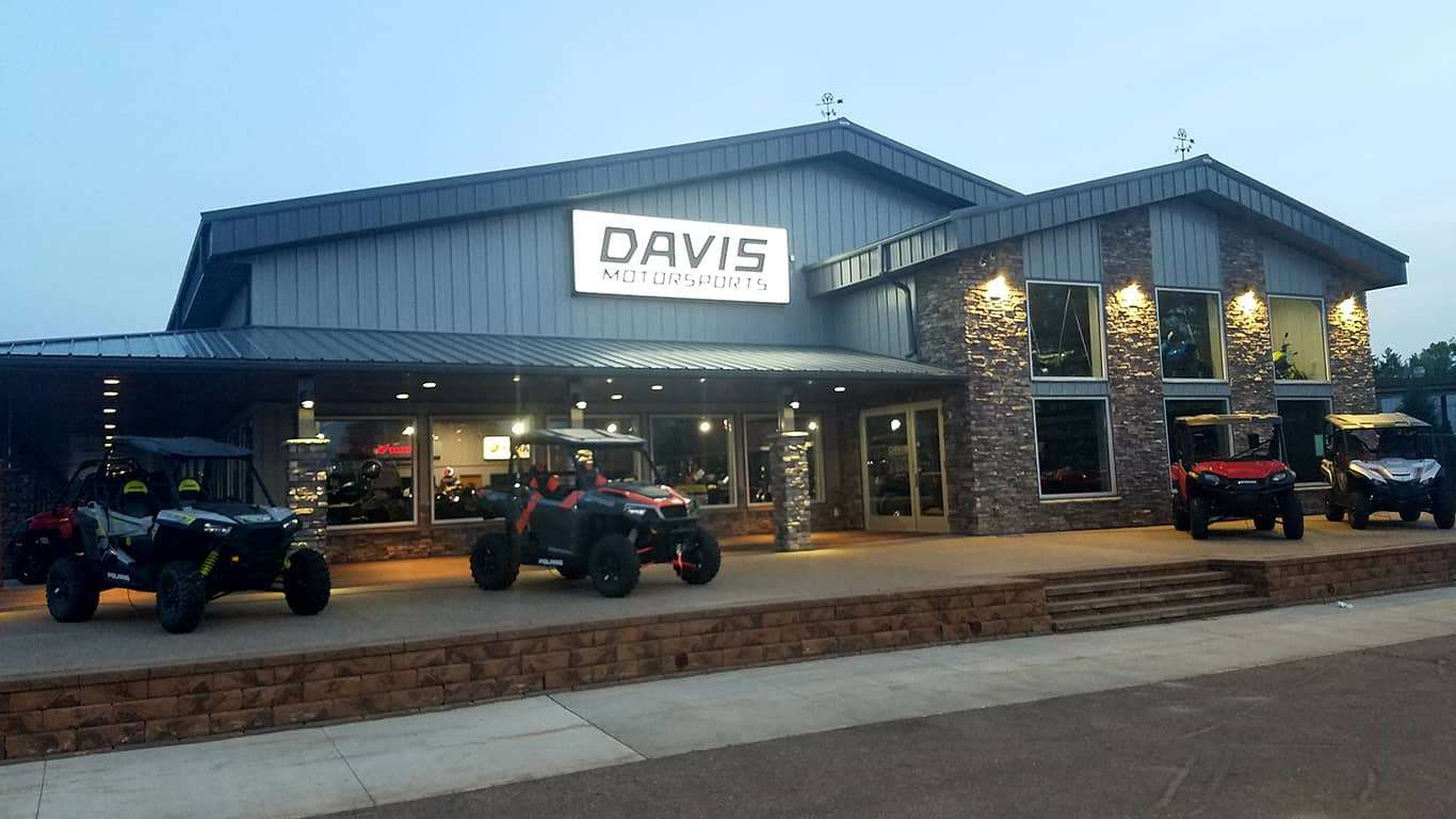 Davis Motorsports of Delano | Outside Building