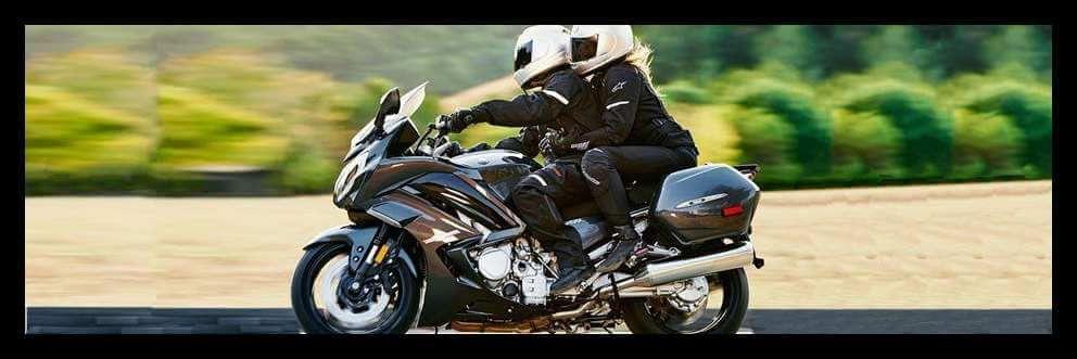 Sehorn Yamaha   2 People on Motorcycle