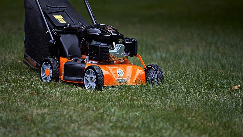 2018 Ariens Razor Self-Propelled (159 cc) in Francis Creek, Wisconsin - Photo 2