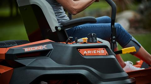 2017 Ariens Ikon X 42 in Calmar, Iowa