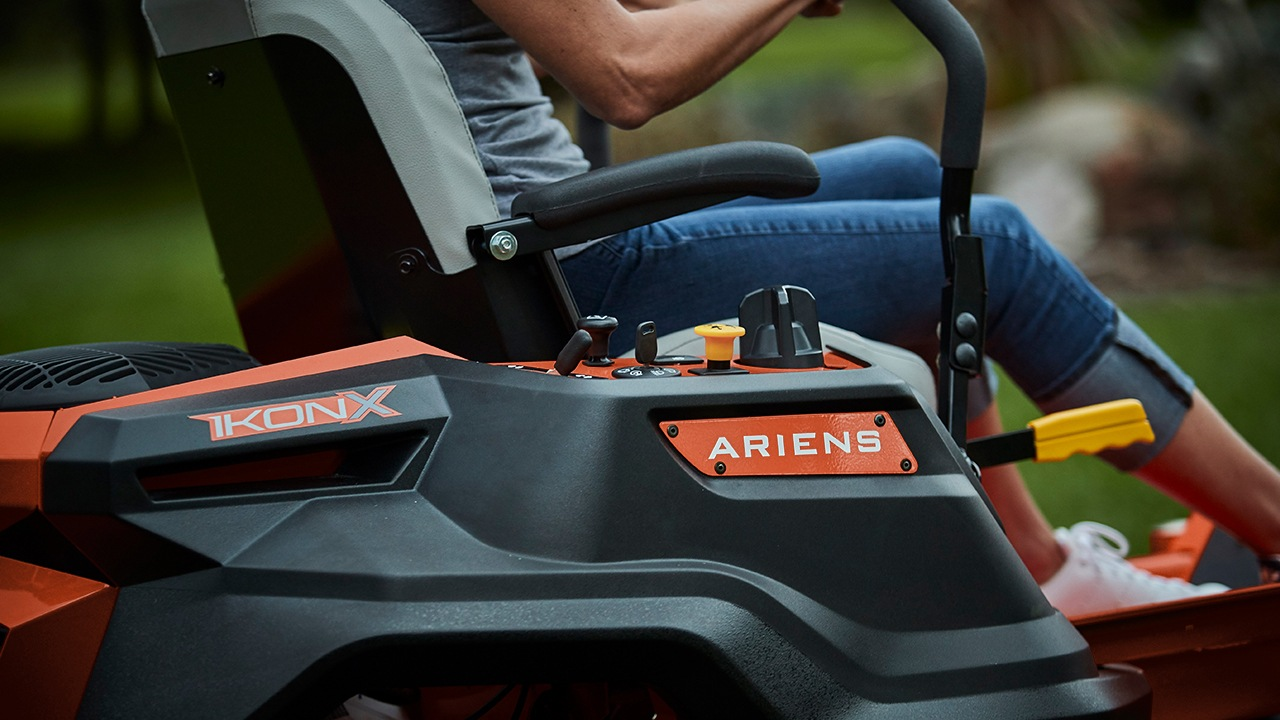 2017 Ariens Ikon X 52 Kawasaki in Kansas City, Kansas
