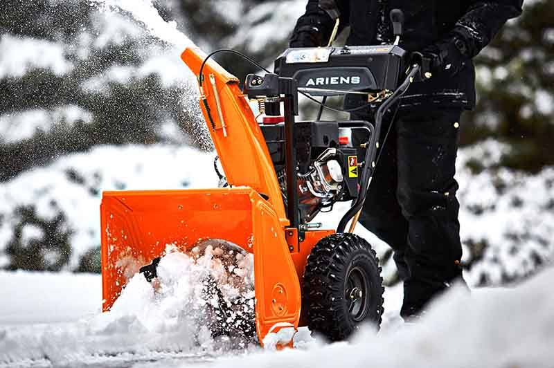 2017 Ariens Compact 24 in Woodstock, Illinois